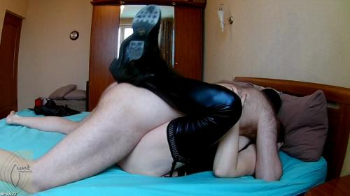 Submissive MILF slut fucked in leather stockings and cum in her cunt   Mature Cunt