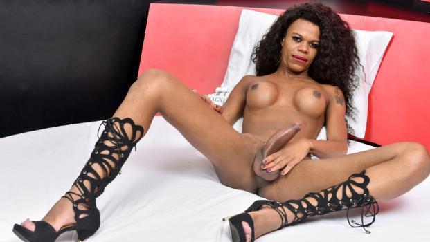 Black-tgirls.com- Lavinia Magalhaes Shoots Her Load