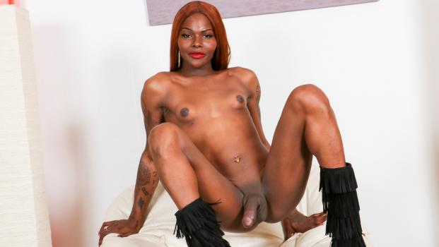 Black-tgirls.com- Grooby Newbie Casmia Gettens