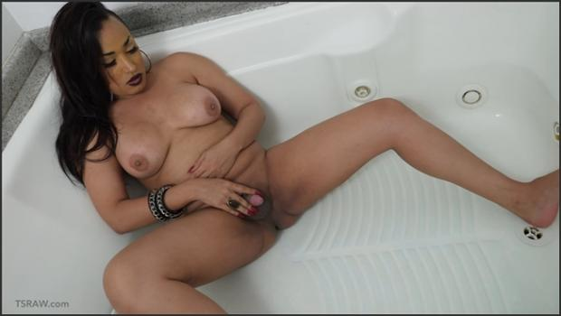 ladyboygold.com- TSRAW Pissing Collection 2 4k