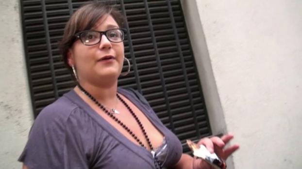 Lafranceapoil.com- Max accoste Jeny pour un plan cul version BBW