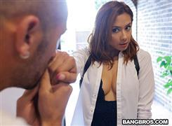 bangbrosclips-20-11-17-veronica-leal-veronicas-anal-massage.jpg