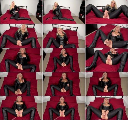 Daynia - Der HardcoreFotzentalk - So viel Fotze gabs noch nie - Fotze, Fotze, Fotze [FullHD 1080P]