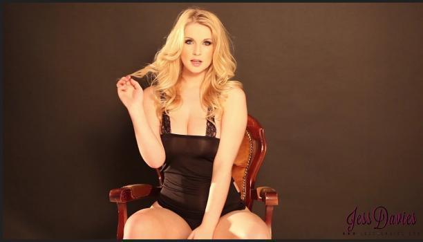 Socialglamour.com- Jess Davies teasing in her sexy black lingerie